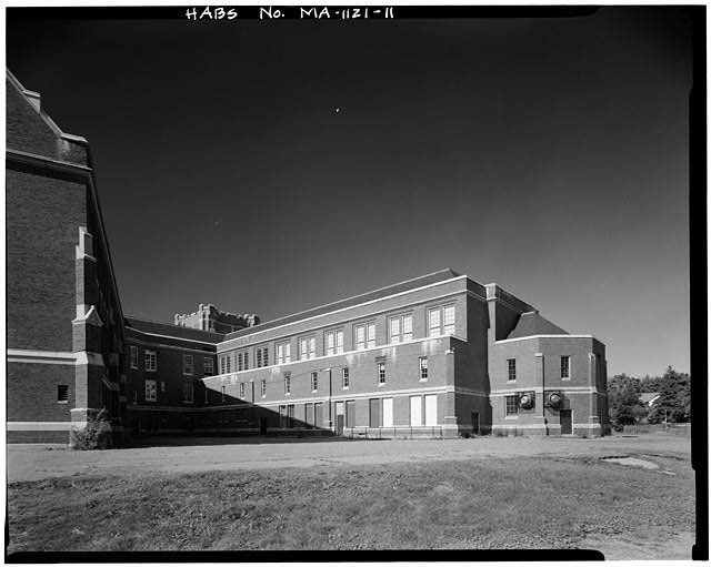 11.  VIEW WEST, CENTRAL WING, NORTHWEST ELEVATION - John Wingate Weeks Junior High School, Hereward & Rowena Streets, Newton Center, Middlesex County, MA