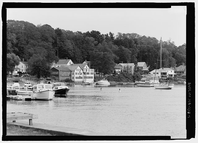 1.  CONTEXTUAL VIEW OF SHOPS ALONG THE MERRIMACK RIVER, LOOKING EAST. - Lowell's Boat Shop, 459 Main Street, Amesbury, Essex County, MA