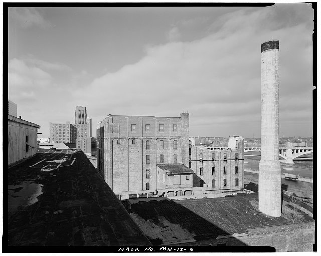 5.  EAST SIDE, LOOKING NORTHWEST OVER ROOF OF BOILER HOUSE - Crown Roller Mill, 105 Fifth Avenue, South, West Side Milling District, Minneapolis, Hennepin County, MN
