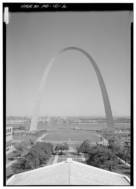 2.  GENERAL VIEW OF ARCH TAKEN FROM THE OLD ST. LOUIS COURTHOUSE, LOOKING EAST TO THE MISSISSIPPI RIVER - Jefferson National Expansion Memorial Arch, Mississippi River between Washington & Poplar Streets, Saint Louis, Independent City, MO