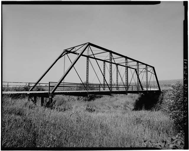 4.  VIEW OF BRIDGE, LOOKING WEST - East Fork Little Tarkio Bridge, Spanning East Fork of Little Tarkio River, Fairfax, Atchison County, MO