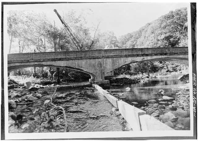 1.  VIEW OF SOUTH (DOWNSTREAM) ELEVATION - Oconaluftee Bridge, Spanning Oconaluftee River, Cherokee, Swain County, NC