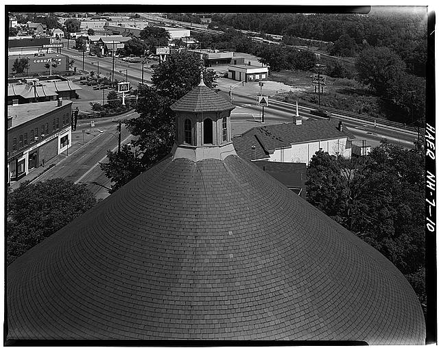 10.  Detail view of Gasholder House roof and cupola. - Concord Gas Light Company, Gasholder House, South Main Street, Concord, Merrimack County, NH