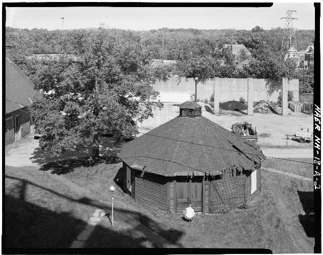2.  BIRDSEYE VIEW OF OIL TANK STORAGE BUILDING - Concord Gas Light Company, Oil Tank Storage Building, South Main Street, Concord, Merrimack County, NH