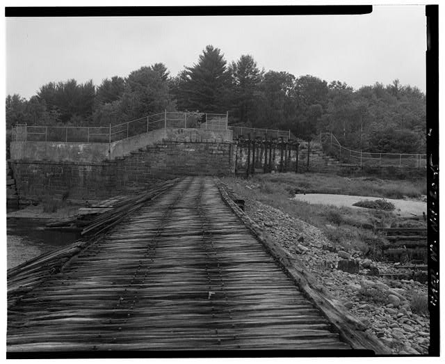 15.  View west, west end of spillway, west abutment, head gates - Sewall's Falls Hydroelectric Facility, East end of Second Street spanning Merrimack River, Concord, Merrimack County, NH