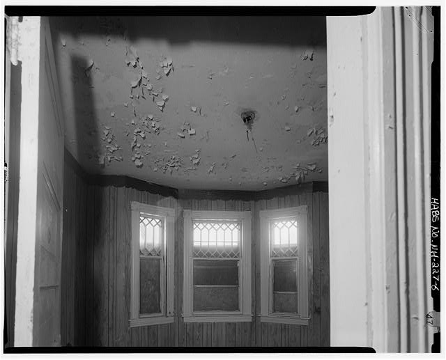 6.  Typical interior, first floor, southeast roomn, south wall, window detail - 241 Cedar Street (Apartments), Manchester, Hillsborough County, NH