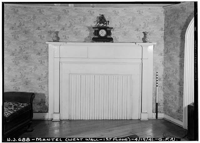 5.  Historic American Buildings Survey George Neuschafer, Photographer April 15, 1941 INTERIOR - MANTEL DETAIL (WEST WALL - FIRST FLOOR) - Daniel Dood House, 339 Franklin Street, Bloomfield, Essex County, NJ