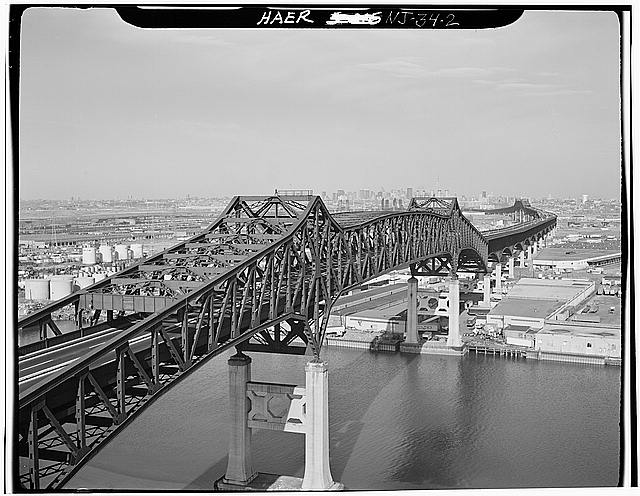 2.  CLOSE UP VIEW LOOKING OBLIQUELY UPSTREAM OF THE CANTILEVER THROUGH TRUSS OVER THE PASSAIC RIVER - Pulaski Skyway, Spanning Passaic & Hackensack Rivers, Jersey City, Hudson County, NJ