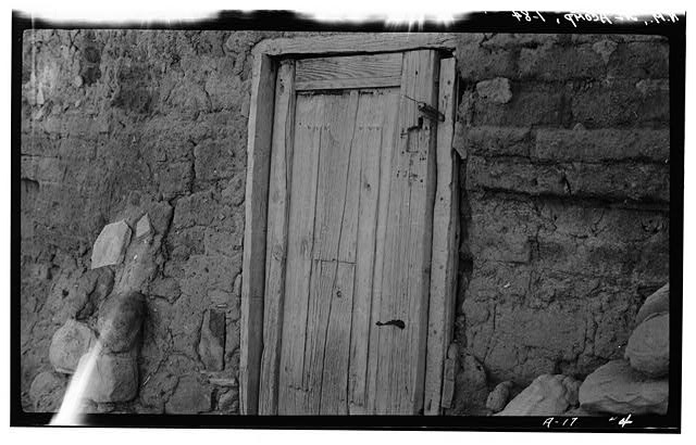 84.  Historic American Buildings Survey M. James Slack, Photographer, April 18, 1934 DETAIL OLD DOOR - Pueblo of Acoma, Casa Blanca vicinity, Acoma Pueblo, Cibola County, NM