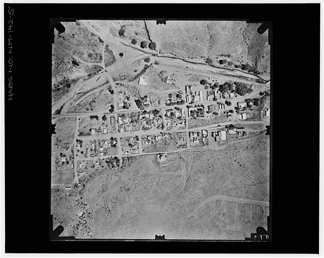 5.  RIGHT AERIAL PHOTOGRAPH OF PAIR WITH 806 Copy photograph of photogrammetric plate LC-HABS-GS01-B-1976-805. - Town of Hillsboro, Hillsboro, Sierra County, NM