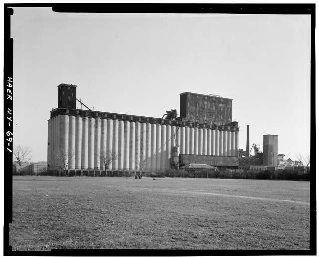 1.  GENERAL VIEW OF GRAIN ELEVATOR FROM NORTHEAST. - New York State Barge Canal, Grain Elevator Terminal, Henry Street Basin, Brooklyn, Kings County, NY