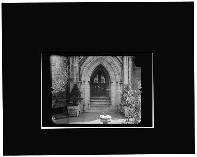 6.  NORTH ENTRANCE, WEST ELEVATION Copy photograph of photogrammetric plate LC-HABS-GS07-T-1116-304L. - Grace Church, Broadway, Tenth Street & Fourth Avenue, New York, New York County, NY