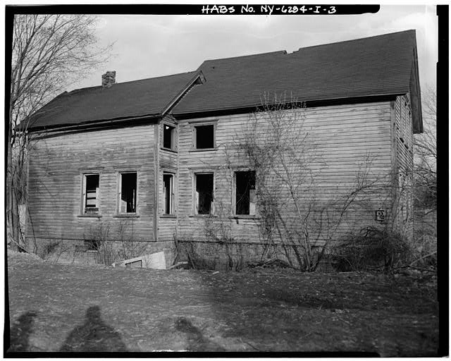 3.  VIEW NORTHEAST SHOWING WEST ELEVATION - Simpsonville, 20 Power Avenue (House), Hudson, Columbia County, NY