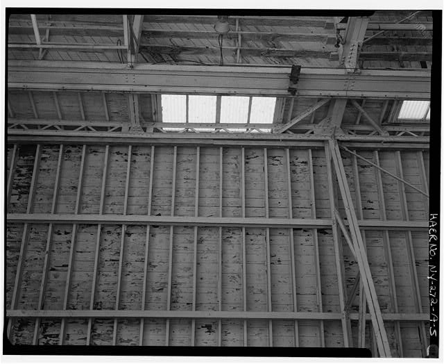 5.  MAIN BAY SHOWING ROOF CONSTRUCTION, ROOF TRUSS, CLERESTORY MONITOR, AND GIRDER FOR ELECTRIC OVERHEAD TRAVEL CRANE (BOTTOM) - Oldman Boiler Works, Boilershop, 32 Illinois Street, Buffalo, Erie County, NY