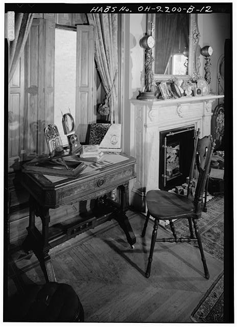 10.  MANTELPIECE IN SOUTHEAST ROOM - Skaats-Hauck House, 812 Dayton Street, Cincinnati, Hamilton County, OH