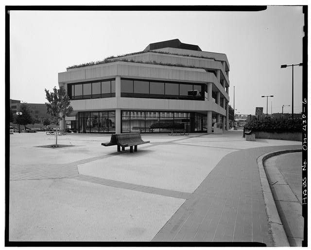 6.  East and partial views of north and south elevations - Springfield City Hall (1979), 76 East High Street, Springfield, Clark County, OH