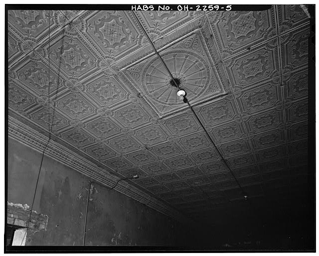 5.  INTERIOR, CEILING DETAIL, LIGHT FIXTURE - Swiss Hall, 410-412 Monroe Street, Toledo, Lucas County, OH