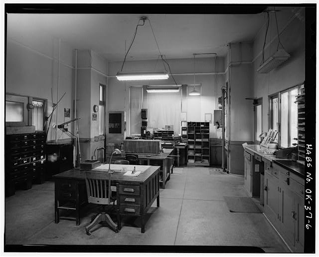 6.  INTERIOR, AGENT'S OFFICE - Atchison, Topeka, Santa Fe Railroad Station, Perry, Noble County, OK