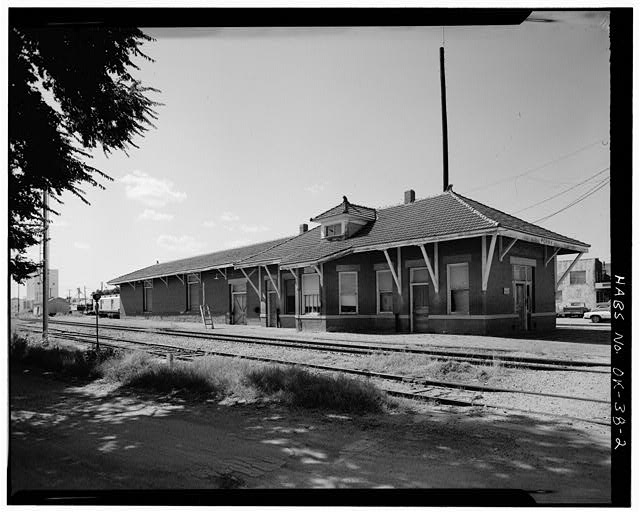 2.  EXTERIOR, GENERAL VIEW OF NORTH FRONT SHOWING PASSENGER DEPOT IN FOREGROUND - St. Louis, San Francisco Railroad Station, Perry, Noble County, OK