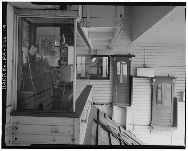 19.  UPPER STATION, FIRST FLOOR, OPERATOR'S CABIN, DOORS TO INCLINE PLANE CARS, LOOKING WEST. - Monongahela Incline Plane, Connecting North side of Grandview Avenue at Wyoming Street with West Carson Street near Smithfield Street, Pittsburgh, Allegheny County, PA