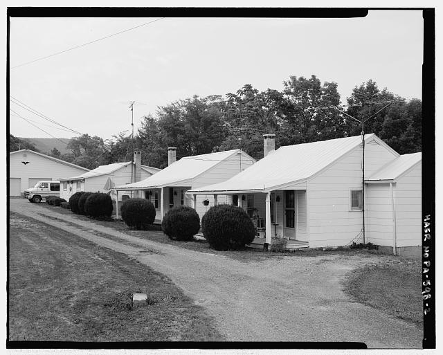 3/4 view.  Looking NW. - DeShong's Cabins-Oil and Gas, Saluvia, Fulton County, PA