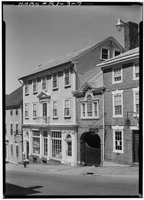 5.  Historic American Buildings Survey, Laurence E. Tilley, Photographer, April, 1958 SOUTH (FRONT) ELEVATION SHOWING PART OF BRICK HOSUE BUILT FOR SERIL DODGE IN 1791 ON RIGHT. - Seril Dodge House, 10 Thomas Street, Providence, Providence County, RI