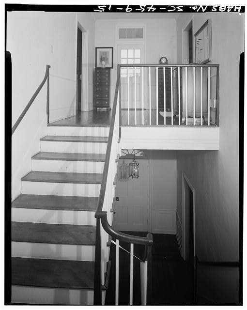 15.  STAIRHALL LANDING,LOOKING SOUTH - Robert Means House, 1207 Bay Street, Beaufort, Beaufort County, SC
