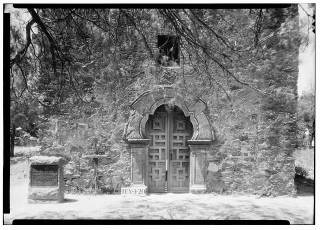 7.  Historic American Buildings Survey, Arthur W. Stewart, Photographer, April 13, 1936 DETAIL OF ENTRANCE TO CHAPEL (EAST ELEVATION). - Mission San Francisco de la Espada, Berg's Mill Community, San Antonio, Bexar County, TX