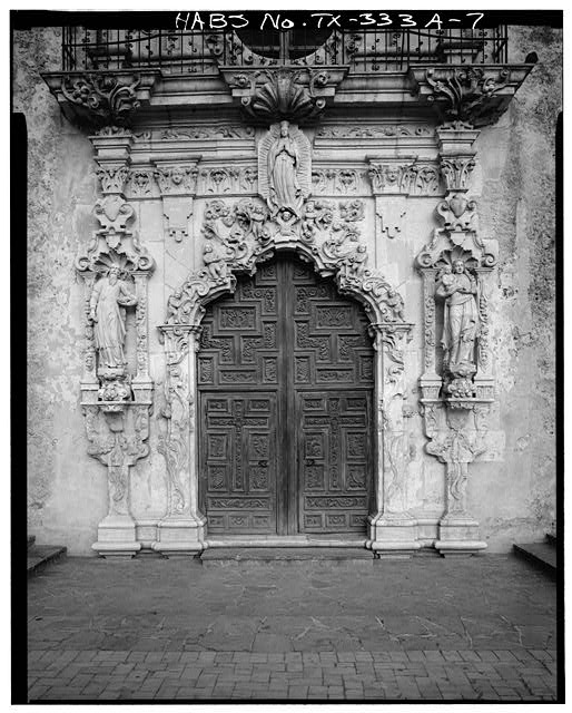 7.  DETAIL: DOORWAY FRONTISPIECE - Mission San Jose y San Miguel de Aguayo, Church, 6539 San Jose Road, San Antonio, Bexar County, TX