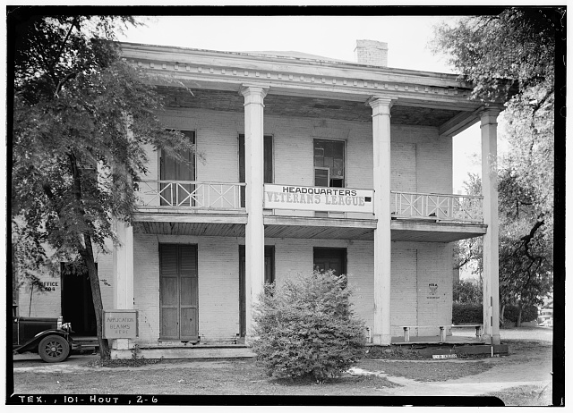6.  Historic American Buildings Survey, Harry L. Starnes, Photographer April 7, 1936 FRONT ELEVATION. - Dr. Carrington House, Crawford Street & Rusk Avenue, Houston, Harris County, TX