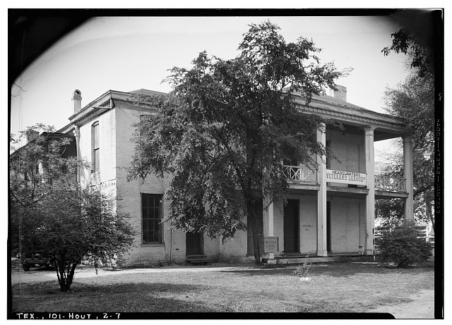 7.  Historic American Buildings Survey, Harry L. Starnes, Photographer April 6, 1936 FRONT EAST SIDE ELEVATION. - Dr. Carrington House, Crawford Street & Rusk Avenue, Houston, Harris County, TX