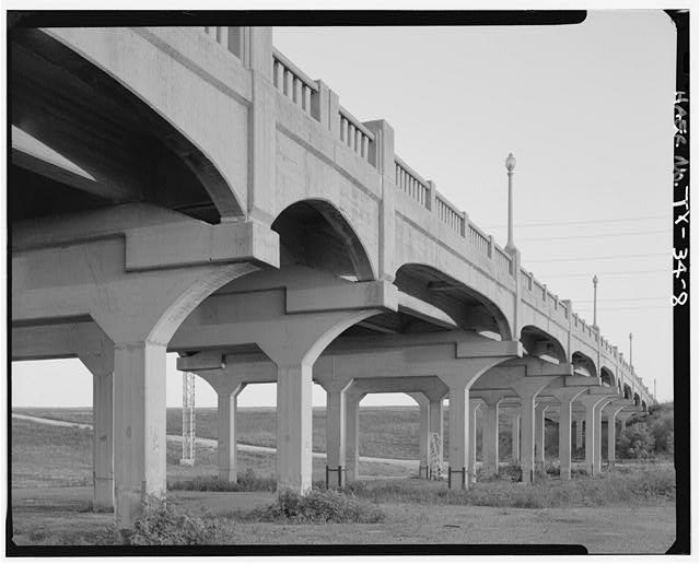 3/4 VIEW NEAR NORTH END, LOOKING SE. - Corinth Street Viaduct, Spanning Trinity River at Corinth Street, Dallas, Dallas County, TX