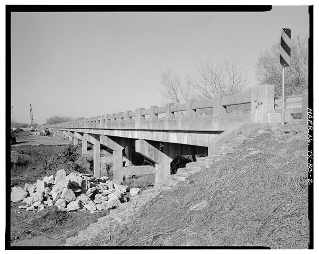 2.  GENERAL VIEW OF NORTH BOSQUE RIVER BRIDGE, SOUTH SIDE, LOOKING NORTHWEST. - North Bosque River Bridge, Spanning North Bosque River at State Highway 6, Clairette, Erath County, TX