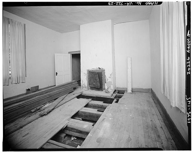 23.  INTERIOR, WESTERN DEPENDENCY (LAW OFFICE), ANOTHER ROOM, SHOWING FIREPLACE WITHOUT MANTEL - Sherwood Forest, State Route 5 vicinity, Charles City, Charles City, VA