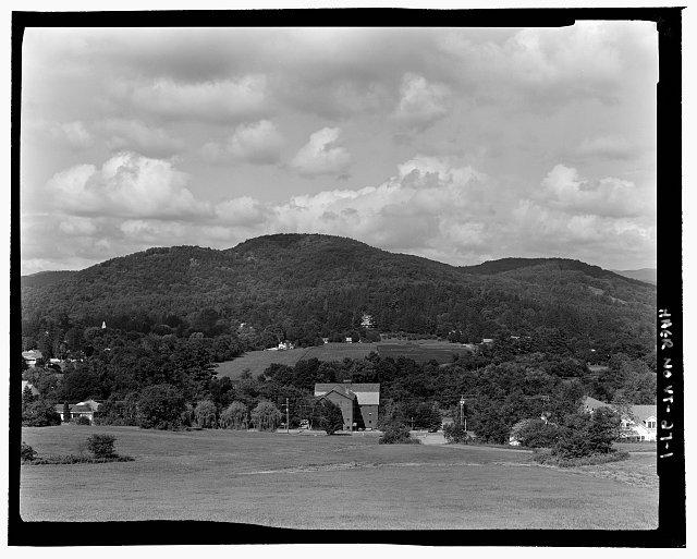 MOUNT TOM AND MARSH-BILLINGS-ROCKEFELLER NHP FROM BLAKE HILL. VIEW WNW - Marsh-Billings-Rockefeller Carriage Roads, Woodstock, Windsor County, VT