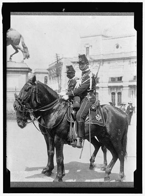 MEXICO. MEXICO CITY. MOUNTED POLICE
