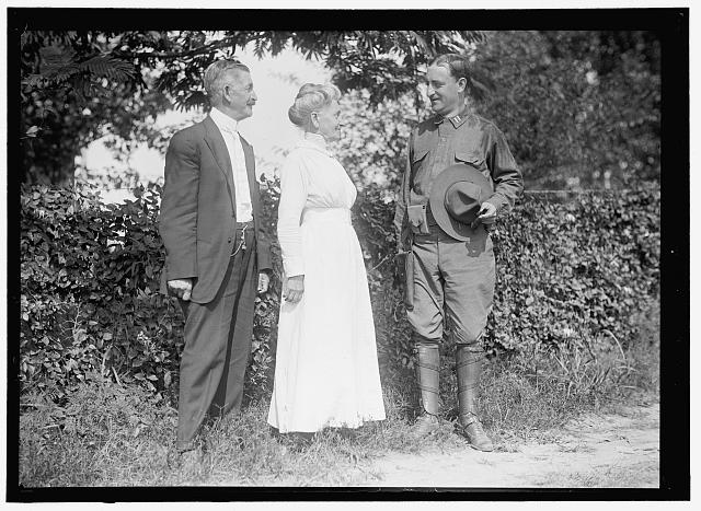 NATIONAL GUARD OF D.C. CAPT. LOUIS WILSON AND PARENTS