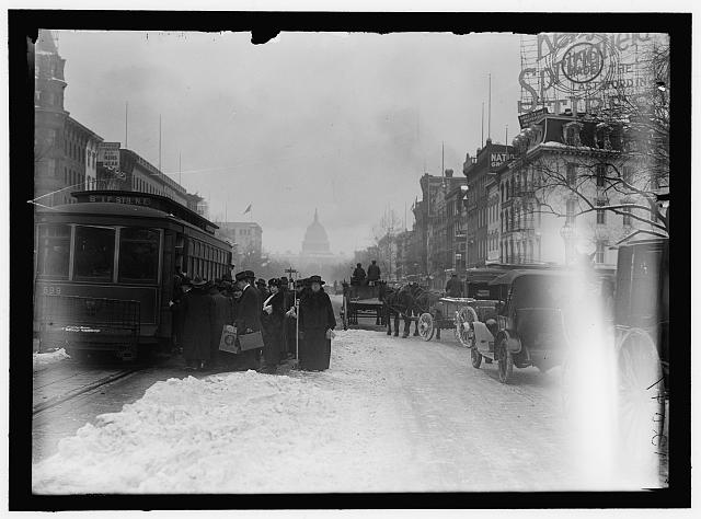 [Pennsylvania Ave. in snow, Washington, D.C.]