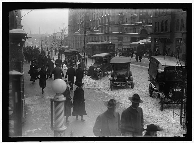 [Street scene, with snow, Washington, D.C.]