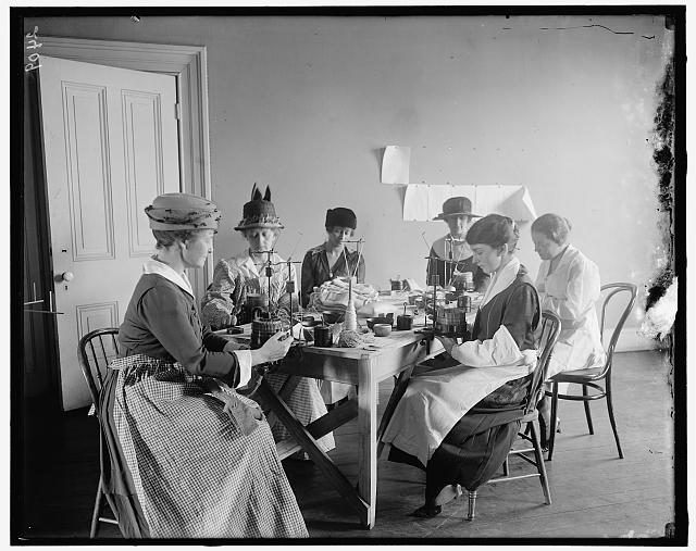 Comforts Committee of Navy League - Ladies Knitting