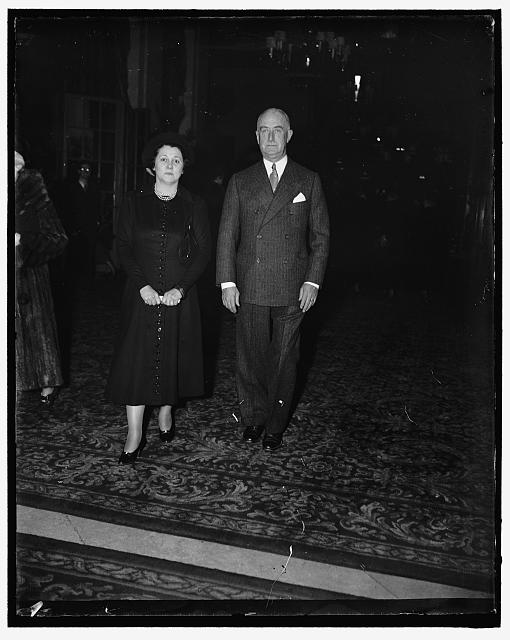 Colonel and Mrs. Starling attend musical. Washington D.C. Colonel and Mrs. Edward W. Starling were among those that attended the musical held at the Mayflower Hotel today. Colonel Starling is in charge of the White House Secret Service