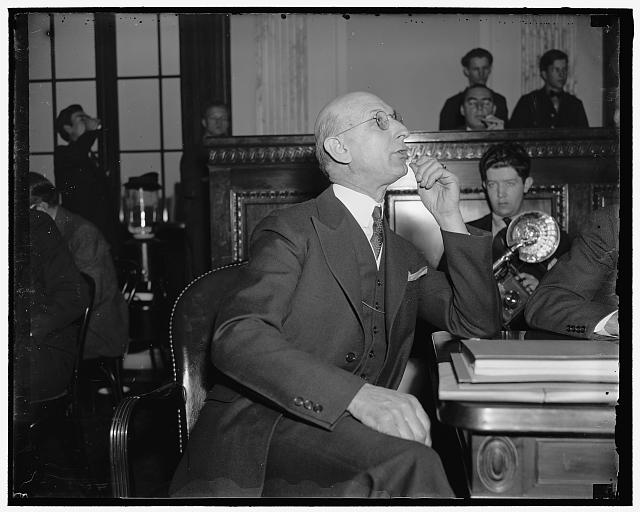 Pinkerton ace quizzed by Senate Investigators. Washington, D.C. After hearing testimony that the Pinkerton Detective Agency sought to sell Its service to the LaFollette Civil Liberties Committee to investigate other labor espionage agencies, Samuel X. Brady, Chief of the Cincinnati office of the Pinkerton's, was questioned about the part he played in the negotiations. E.C. Davidson, Secretary of the International Association of Machinists and also Mayor of Alexandria, Va., charged that Brady had contacted him last summer with the request that the Mayor act as go between. Brady, in denying the charge, financed by General Motors for the purpose of making inquireies about the CIO