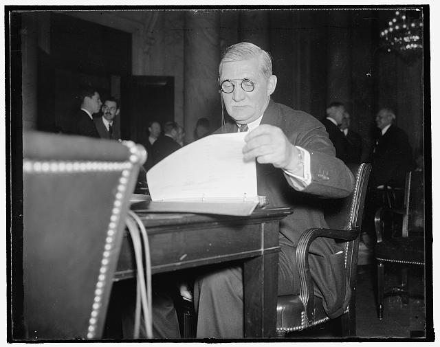 General Motors head before senate committee. Washington, D.C., Jan. 6. The drop last November in auto sales was the most sever in history and entirely beyond our control, William S. Knudsen, President of General Motors, told the Special Senate Committee investigating unemployment,1/6/38