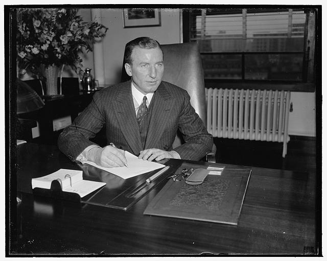 "New member of the SEC. Washington, D.C., Jan. 14. J.W. Hanes, former Wall Street banker, was sworn in today as a member of the Security Exchange Commission. ""I believe there is an opportunity for real cooperation between business and Government, that's my only idea in coming down here,"" 1/13/38"