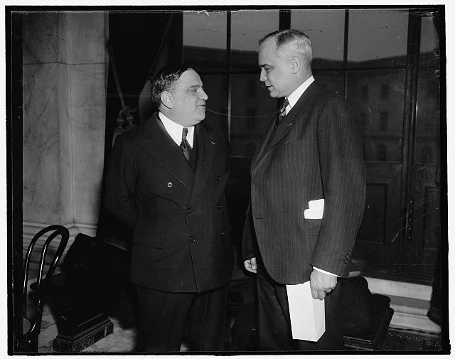 Mayors meet at senate hearing. Washington, D.C., Jan. 17. Mayors of two of the country's largest cities, New York, Fiorello La Guardia (left) and Mayor Harold H. Burton of Cleveland met today at the Capitol where both appeared to testify before the Senate Unemployment and Relief Committee on possible need for additional relief funds, 1/17/38