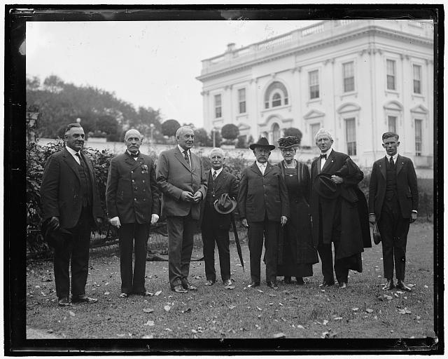 [President Harding and group at White House]