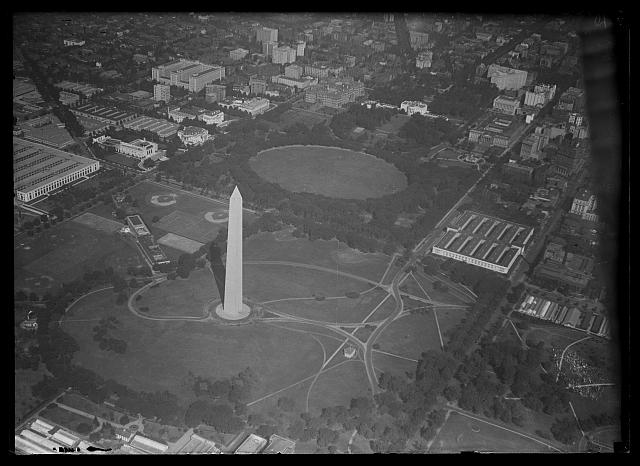 [Aerial view of Washington Monument and White House, Washington, D.C.]