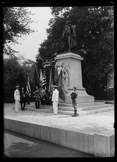 [Group placing flowers at statue of Commodore John Barry, Washington, D.C.]