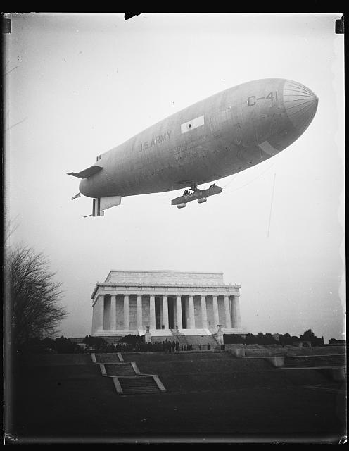 [U.S. Army blimp over Lincoln Memorial, Washington, D.C.]