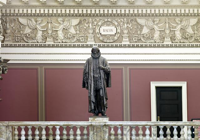 [Main Reading Room. Portrait statue of Bacon along the balustrade. Library of Congress Thomas Jefferson Building, Washington, D.C.]